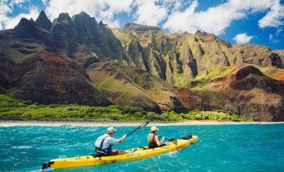 two people kayaking in hawaii