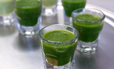Wheatgrass shots in smoothie