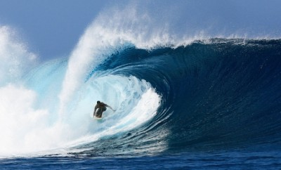 surfing cloudbreak Tavarua Island Fiji
