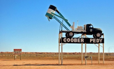 coober pedy welcome sign