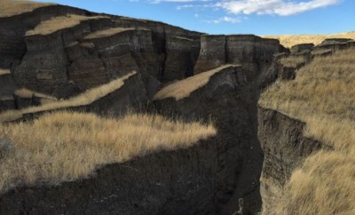 giant crack near Yellowstone in mountain range
