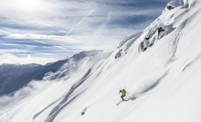 skiing under extreme conditions alone the death dangerous exposed