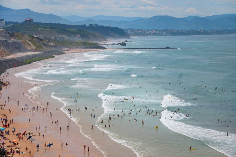 Surfing in biarritz france 39 s forgotten surf haven for Best beach near la