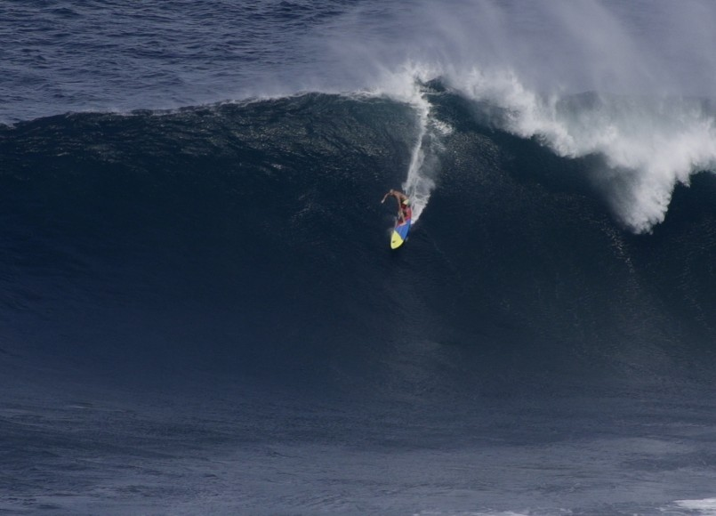 Jeff_Rowley_Jaws_Peahi_Maui_Paddle_In_Big_Wave_Surfing_Red_Bull_Jaws_1