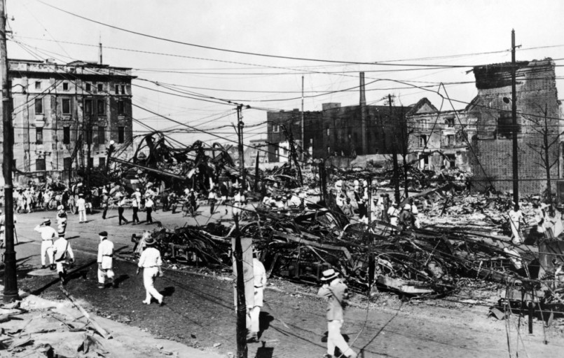 Ruins of burned streetcars after the 1923 Tokyo earthquake The Great Kanto earthquake had a reported duration between 4 and 10 minutes Sept
