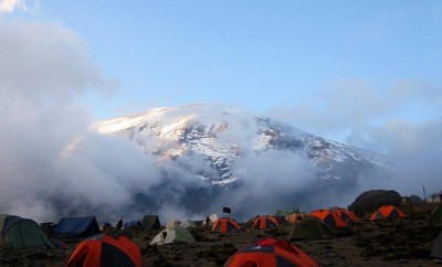tents on mt kilimanjaro in cold weather snowy mountain